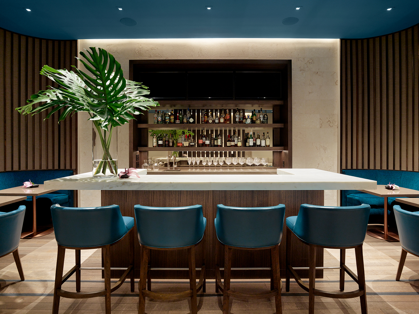 Park Lane Lounge Image 6